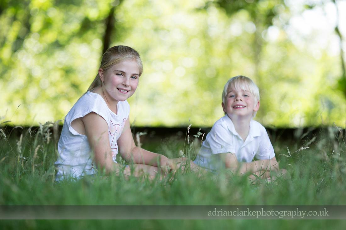sevenoaks children and family photography at emmetts garden